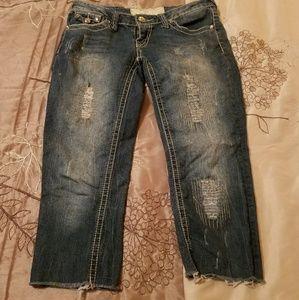 Dollhouse capri jeans size 31
